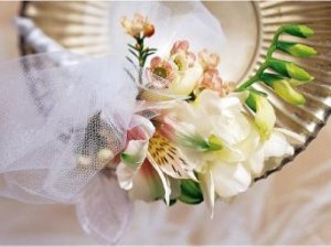 Image of 10030 White Lace Corsage