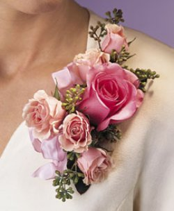 Image of 10682 Rose Corsage