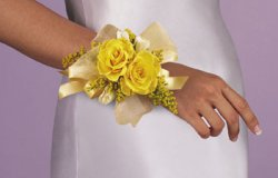 Image of 10699 Rose Wrist Corsage