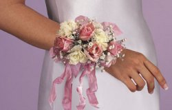 Image of 10702 Rose Wrist Corsage