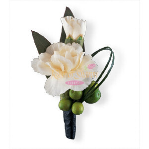 Image of 10833 Carnation and Berries Boutonniere.