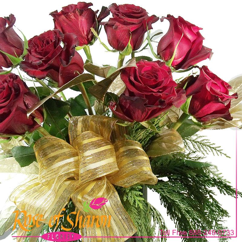 1945 Noëlle Rose Bouquet Image One