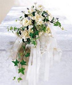 Image of 10007 Cascading Ivory Bouquet