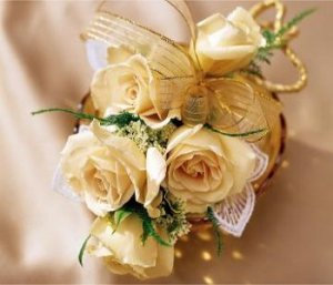 Image of 10029 Peach Rose Corsage