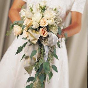 Image of 10255 Bridal Bouquet